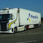 Primafrio transporta 500 rollos en 23 camiones frigoríficos: el nuevo césped para el FC Porto