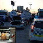 Pillan a un conductor con 400 litros de gasolina robada de un camión en Barcelona