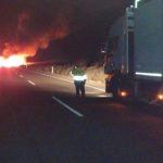 Mueren dos camioneros en un choque frontal entre dos camiones en la NII Zaragoza