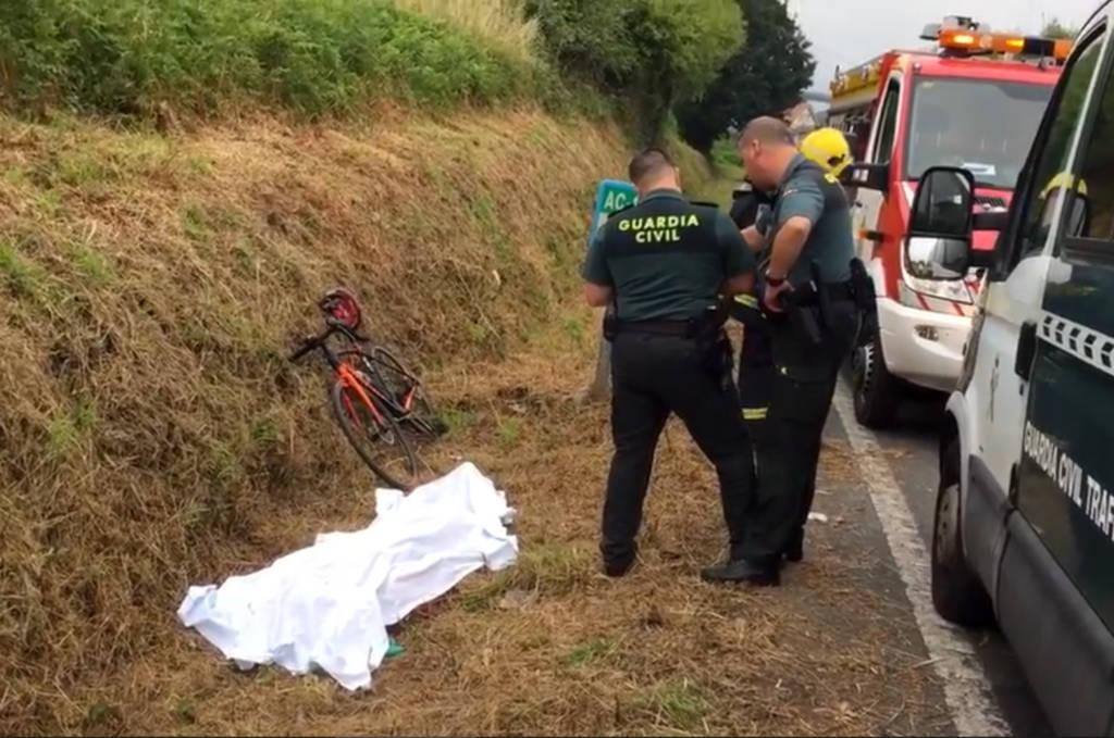 fallece guardia civil trafico montando en bicicleta ciclista carretera acoruña