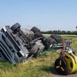 Un camión se estrella por una picadura de avispa a su conductor en la NR7 Francia