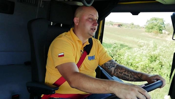 Necesitan camioneros C+E con mínimo 6 meses de experiencia 3.000 euros netos
