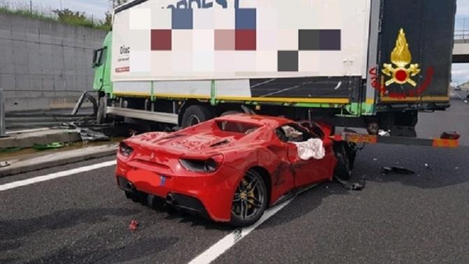 Un Ferrari 488 se estrella contra un camión el mismo día que murió Enzo Ferrari hace 31 años