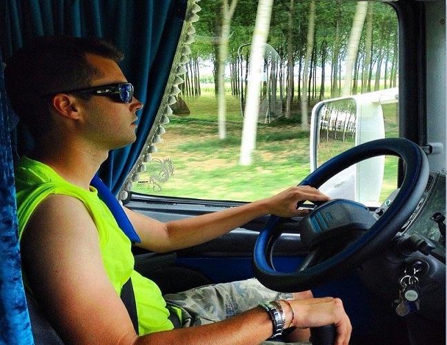 La vida (difícil) del camionero. Los  jóvenes huyen de la profesión