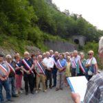 Treinta alcaldes franceses homenajean al camionero español que murió en un trágico accidente en el Valle de Aspe