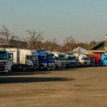Un camionero destruye varios camiones, por una infidelidad de su esposa con un colega checo