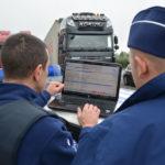 Arrestado el conductor de un camión español con 5 polizones entre la carga de sandías y melones en los Países Bajos