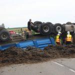 Muere un camionero de 59 años en un accidente, al salirse el  camión con semirremolque de la vía y volcar el los Altos Pirineos