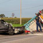 Muere un empresario de 38 años, al chocar de frente su furgoneta contra un camión que invadió su carril