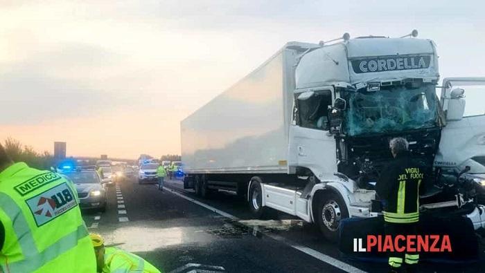 incidente mortale A1 Pontenure camion 2