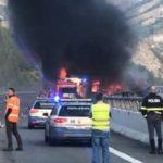 Fallece un camionero atrapado en llamas, tras colisionar tres camiones e incendiarse en la A32  área de Bardonecchia