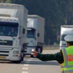 Multado un camionero de 26 años por hacer el descanso en el arcén de la A72  Alemania