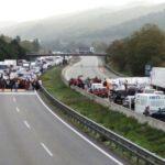Fomento anula los tiempos de conducción y descanso en Cataluña durante los días de bloqueo