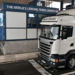 Ocho afganos, incluidos cuatro niños, encontrados en un camión refrigerado en Francia