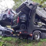 Liberan un camión cargado de coches atascado por culpa del GPS durante 17 horas en Mos