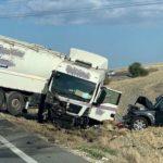 Un muerto y un herido grave en la colisión entre un camión y un todoterreno en Utrera