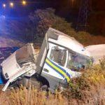 Un camionero  herido tras volcar un camión en la SE-30 Camas  (Sevilla)