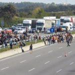 Manifestantes cortan la autopista AP-7 en  Sant Gregori, Girona y la C-25/C-17 en el Gurb