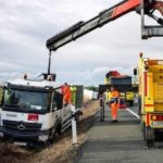 Un muerto y tres heridos en un accidente entre dos camiones y un coche en la N-232, en Corera