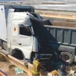 Un camionero fallecido tras el choque de dos camiones en el Polígono de la Redonda del Ejido