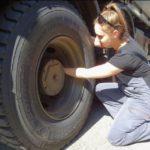 La joven de 17 años que quiere ser camionera, ha finalizado la primera capacitación profesional para conducir camiones