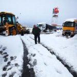 Varios camiones atrapados en el Manzanal por las nevadas, con dos puertos y trece carreteras cerradas en León