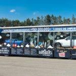 La 'bomba de Navidad', el camión de regalos más grande de Europa