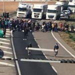 Una manifestación de los CDR corta completamente la A-2, en Alcoletge