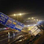 Cortada la A2, por el aparatoso accidente de un camión, provocado por el viento