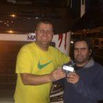 El maravilloso gesto de un camionero rumano, que encontró la cartera de un camionero portugués, le buscó y la devolvió