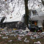 Un camionero de 27 años muy grave, tras una violenta colisión frontal contra un árbol en Francia