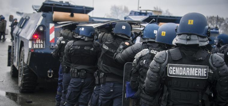 El Ministerio del Interior de Francia ordena cargar contra la protesta de los CDR en la frontera