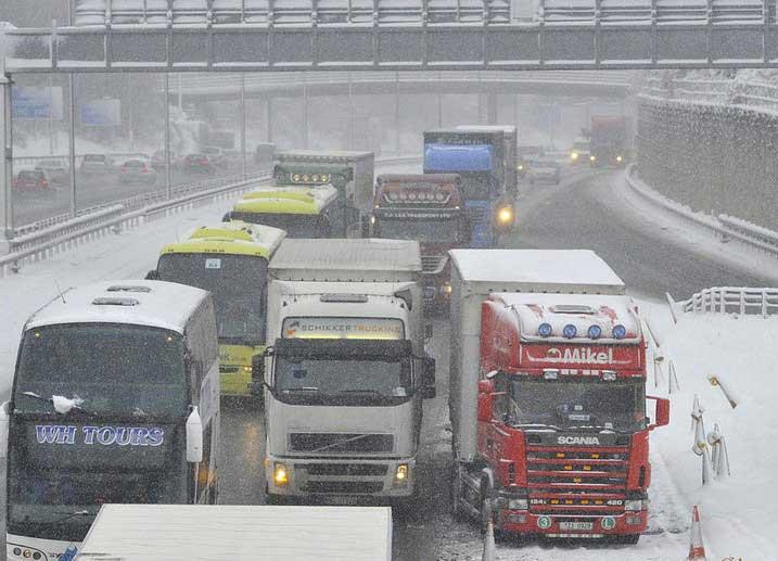 camion bloque neige e12987546137561