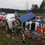 Brutal accidente en Hamburgo: Dos camioneros atrapados en la A 7 que permanece bloqueada