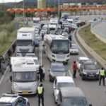 Independentistas cortan la AP-7 en La Jonquera y llaman a bloquear la frontera