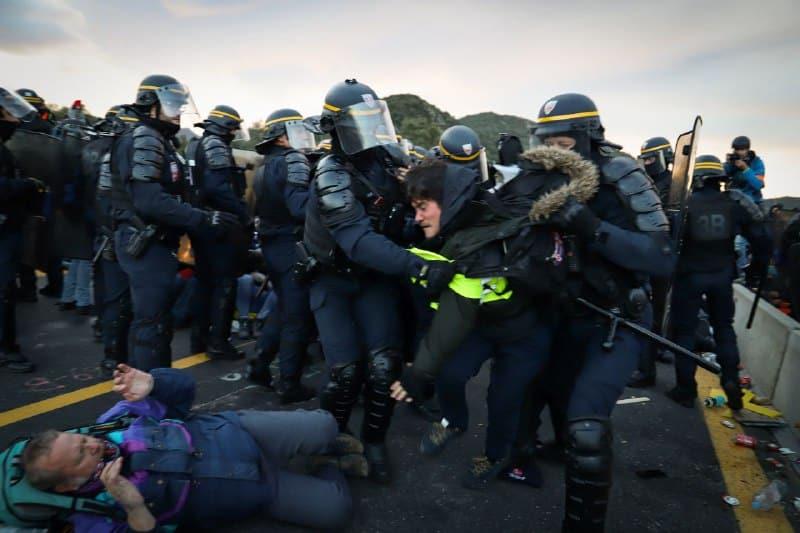 Dos años de cárcel y 4500€ en Francia por el bloqueo de los CDR en La Junquera