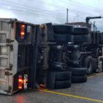 Muere un camionero al volcar el camión que manejaba en una nave de O Porriño