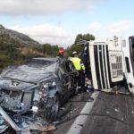 Fallece un camionero de 32 años, tras quedar atrapado en la cabina del camión por un accidente en la AP-7