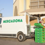 Sueldo neto de 1.500 euros al mes con 14 pagas: Mercadona busca repartidores, mozos de almacén y cajeros