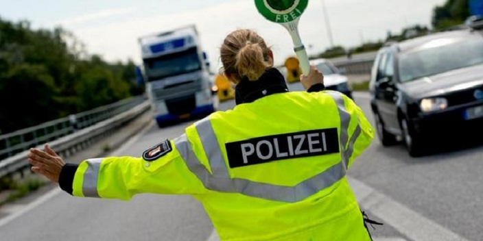 Bei Stolpe und Peenetal Polizei kontrolliert verstaerkt