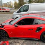 ¡Choca su Porsche GT2 RS, solo dos kilómetros después de comprarlo y alega que no frenaba!