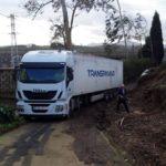 Maldito GPS: Un camión, bloqueado por culpa del GPS en Avilés