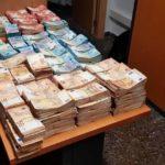 """La Guardia Civil encuentra 840.000 euros """"sin dueño"""" en el interior de un coche en Valencia"""