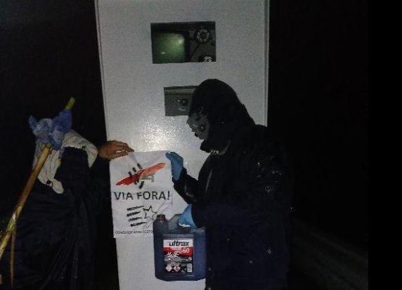 Un grupo de Independentistas, quema radares en Santa Coloma de Farners y Riudarenes.