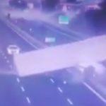 El camionero del accidente en Nola, en la A30 estaba siendo trasladado al hospital, mientras los automovilistas roban su carga