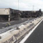 Multa de 3.396 € a un camionero que se estrelló en la autopista sin llevar la tarjeta del tacógrafo insertada