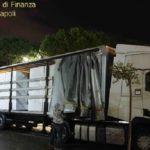 Detenidos tres ucranianos con 8 tn de cigarrillos de contrabando valorados en 2 millones de € en un camión en Napoles