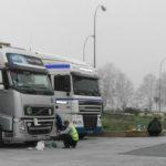 Denuncian a un camionero por coger electricidad de una farola para ver la televisión en Alemania