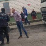 Un grupo de camioneros se une dando una lección a unos ladrones de palés en el Alcampo de Valdemoro