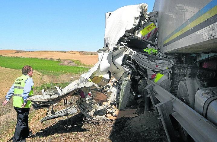 Un camionero acepta 18 meses de prisión por la muerte de un operario de carreteras